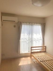 独身寮個室